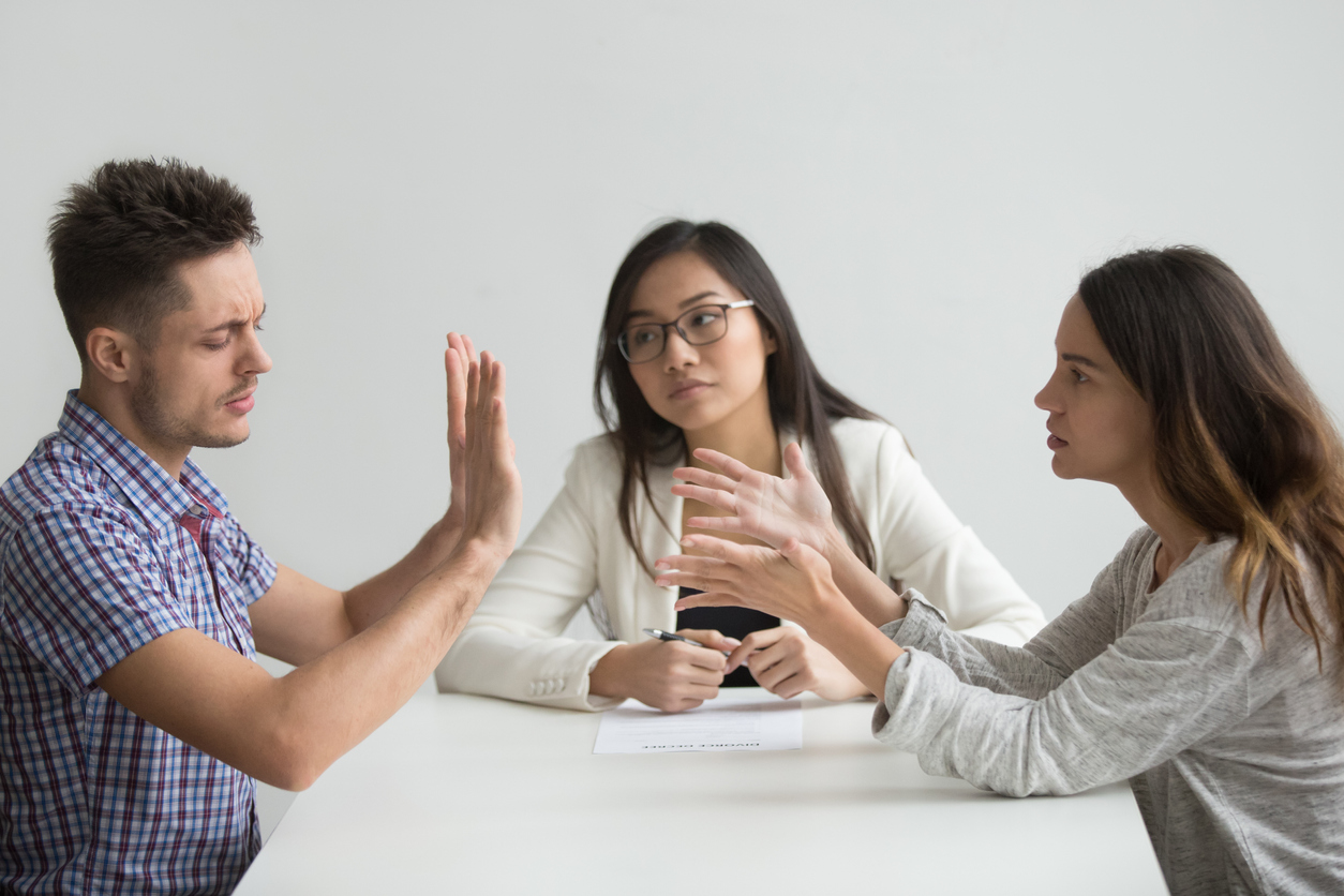 The Advantages to Having a Divorce Lawyer
