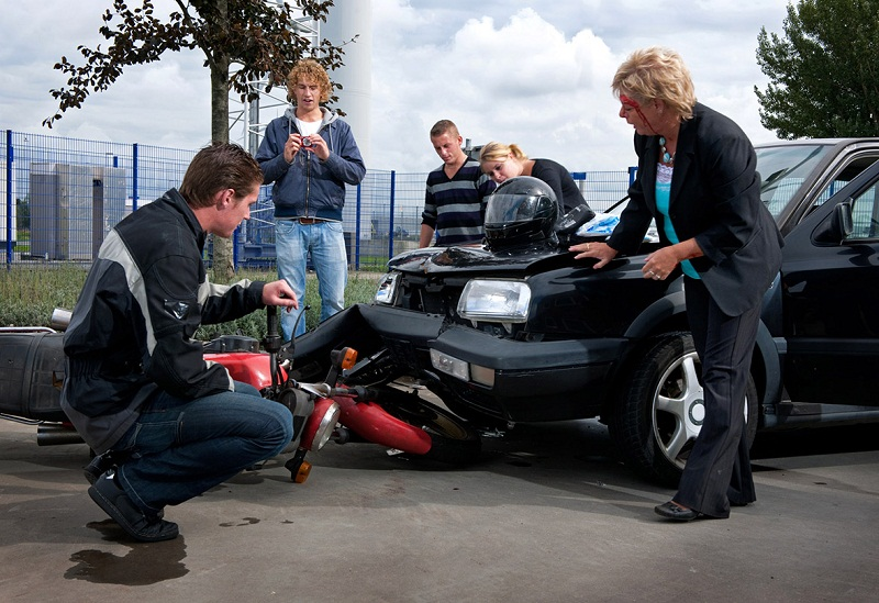 Why Should I Hire a Lawyer after a Car Accident
